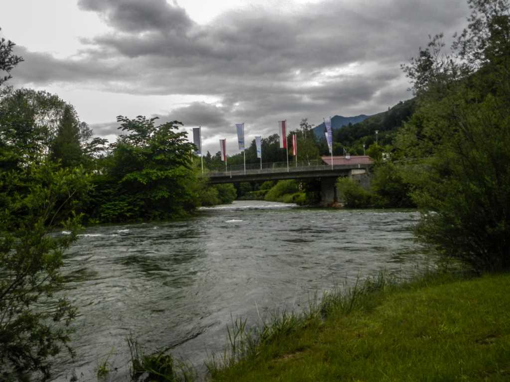 Ischl Mündung und Traun mit 320 cm Hochwasser