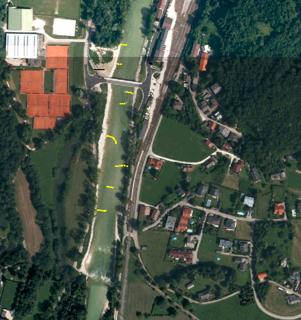 Oberhalb der Lokalbahnbrücke bis zur Sulzbachmündung