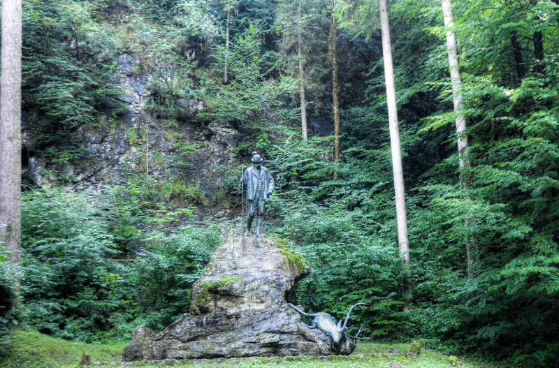 Kaiserstandbild in Engleithen, oberhalb von Bad Ischl